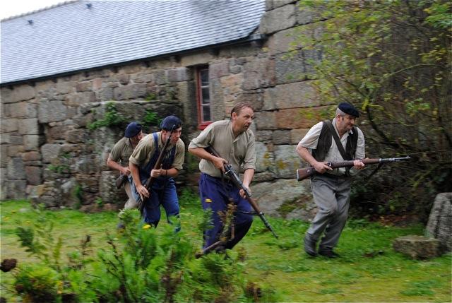 Les résistants montent à l'assaut final.