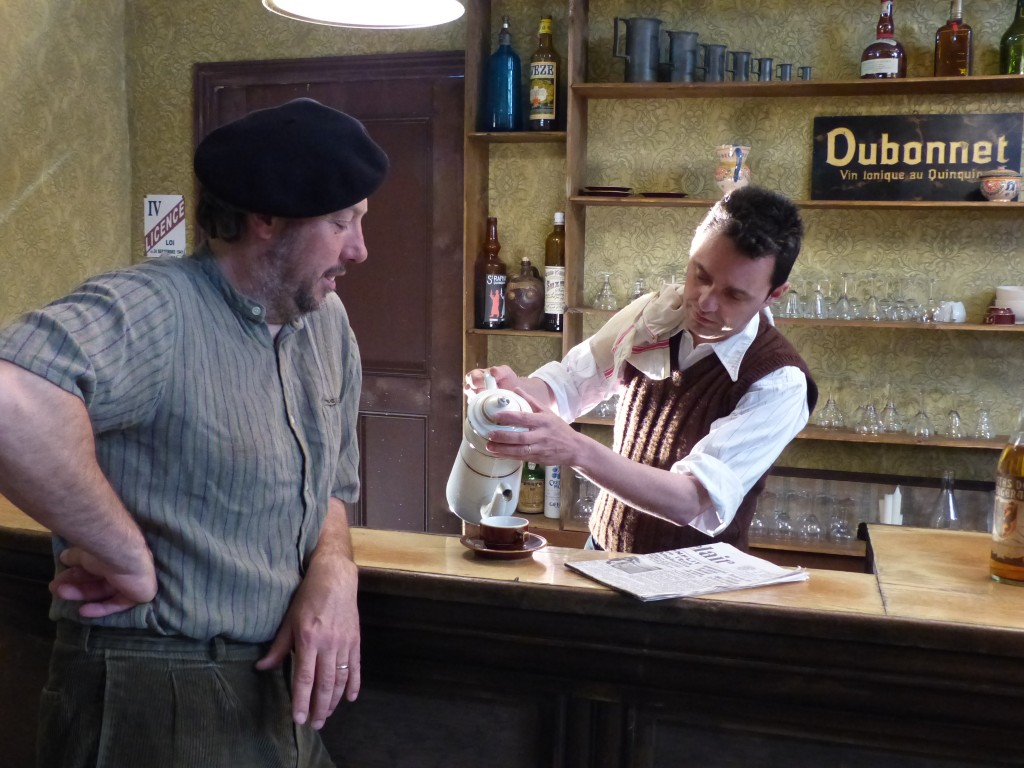 … et dans le café Le Cornec, on sert… du café !