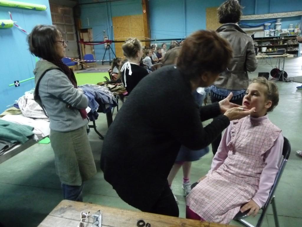 Cours de maquillage avec Denise Dodé…