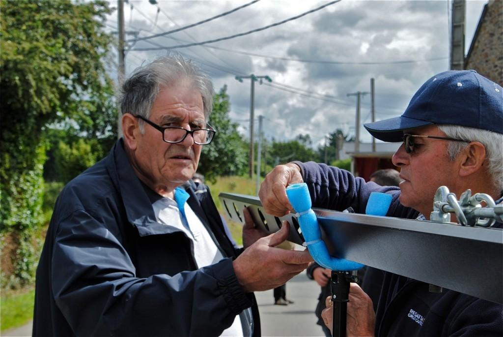 Jean Provost, programmateur du cinéma le Nozek à Nozay, met la main à la pâte…