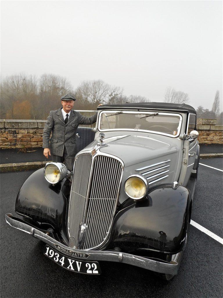 Yannick Souève et sa Renault Monaquatre.