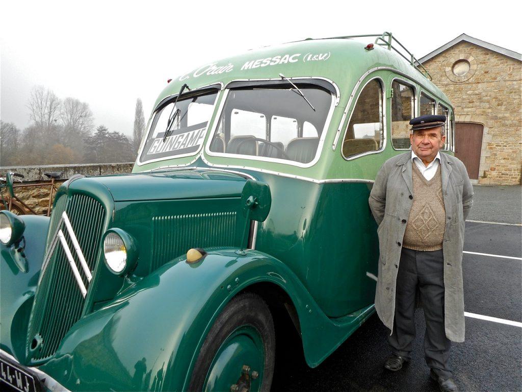 Jean-Pierre Briand a amené l'autocar par la route depuis Messac (2 h 30 de trajet !).