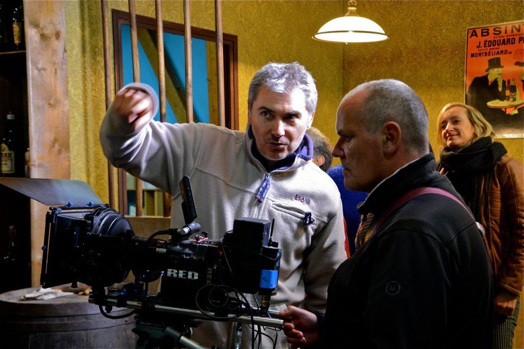 Nicolas donne les indications au caméraman.