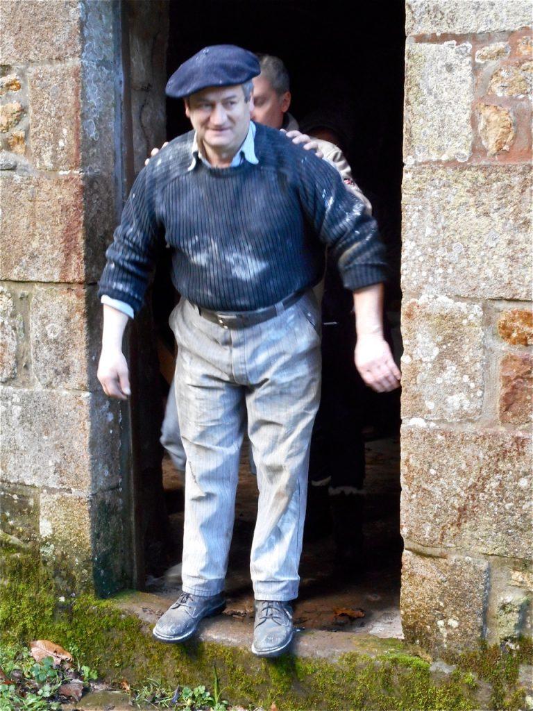 Nicolas a-t-il voulu pousser Jean-jacques dans la gadoue ? On peut se poser la question…
