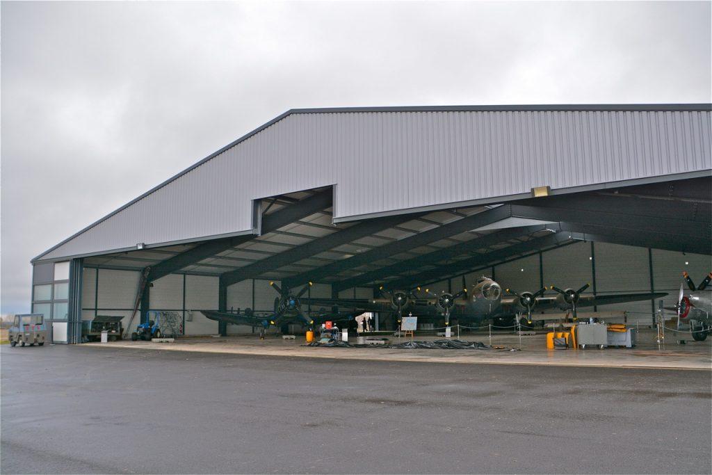 Le Boeing B-17 dans son hangar : un choc lorsque l'on découvre !