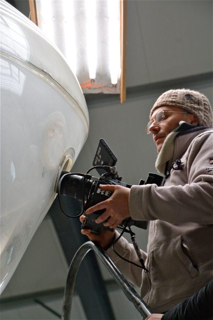 Le tournage commence, justement dans la bulle du bombardier avant.
