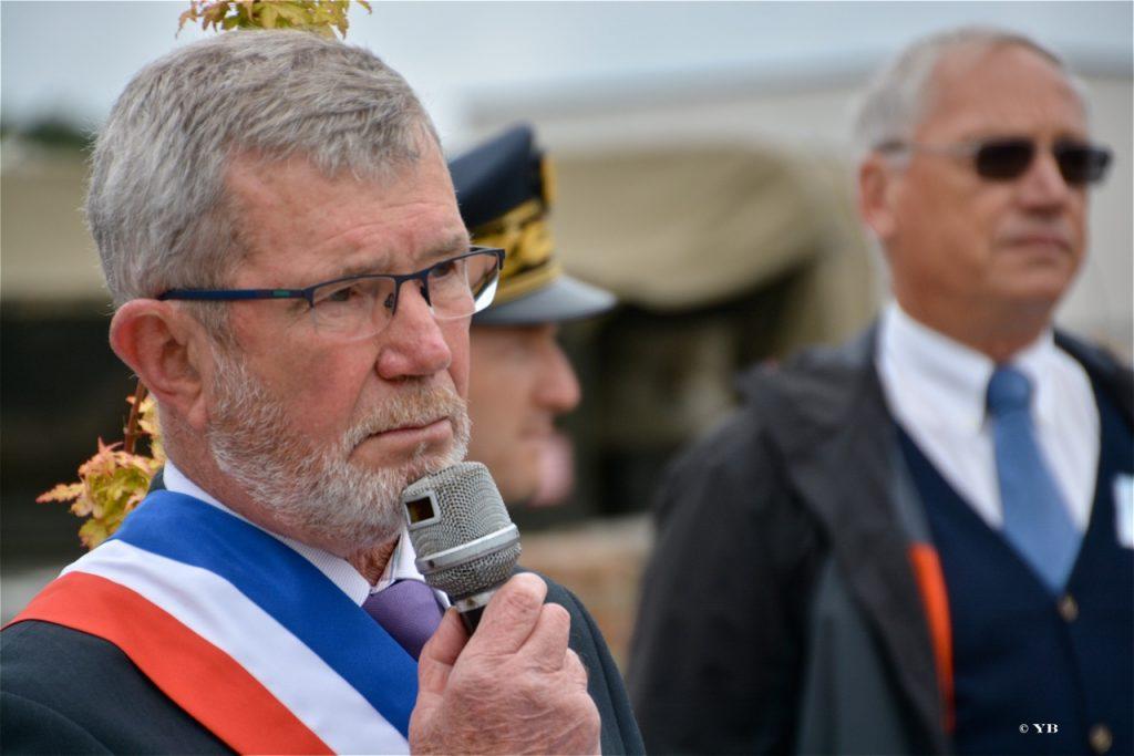 La prise de parole du maire de Saint Agathon.