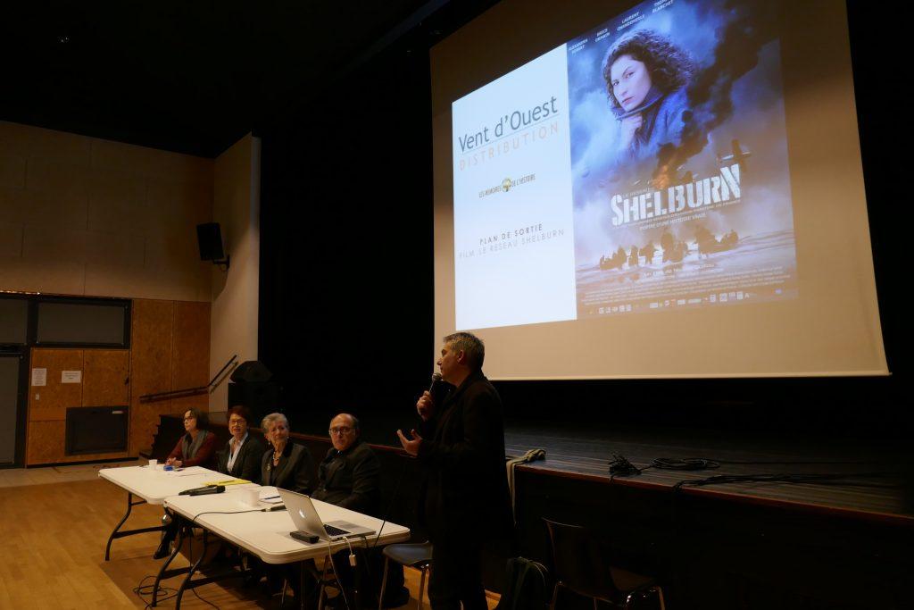 Nicolas Guillou au micro pour présenter le film et le travail à venir pour préparer sa sortie.
